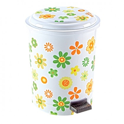 Step-On Wastebasket 6 Lt.With Decal